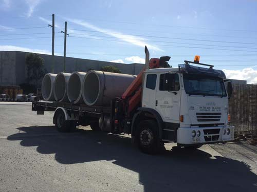 Crane Truck-Concrete Pipes