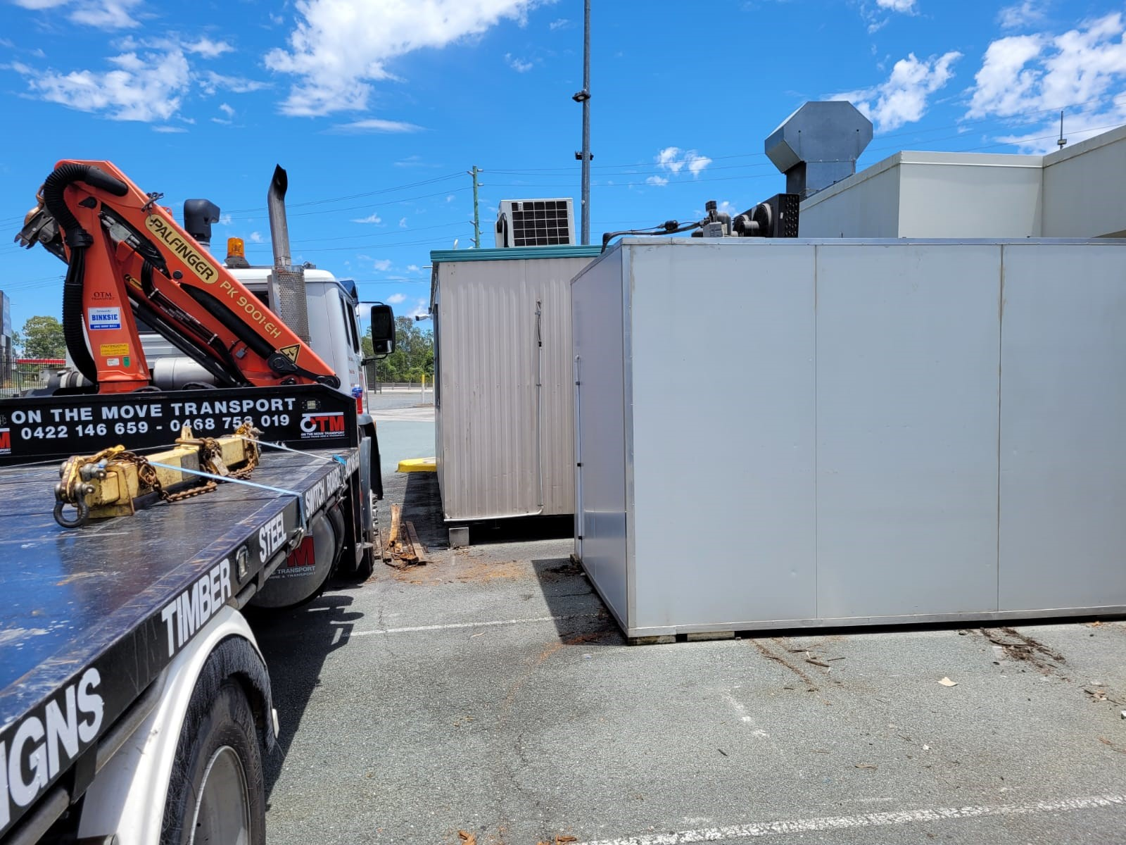 Crane Truck Hire Service
