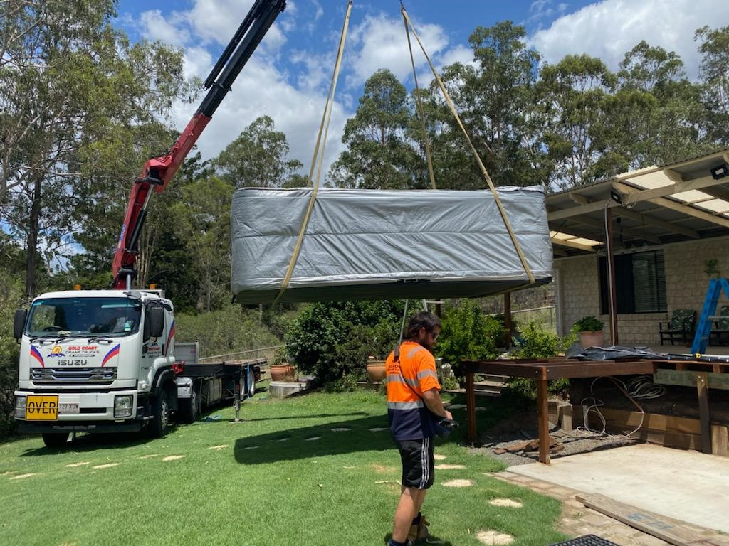 Mobile Crane Hire Gold Coast