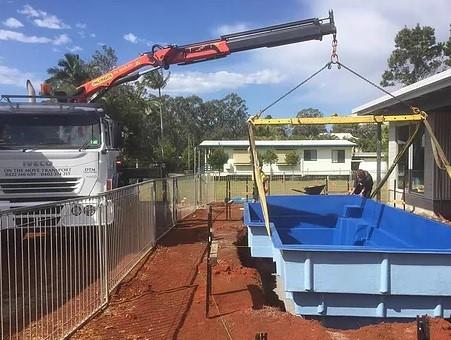 Crane truck hire in Gold Coast and Brisbane