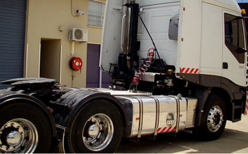 Semi truck for hire with 13 meter flat deck trailer - Gold Coast and Brisbane