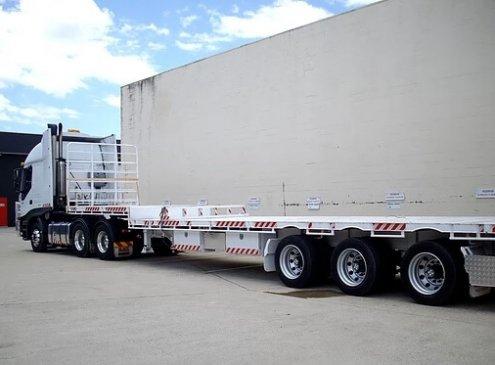 Drop deck semi truck ready for a job in Molendinar, Gold Coast
