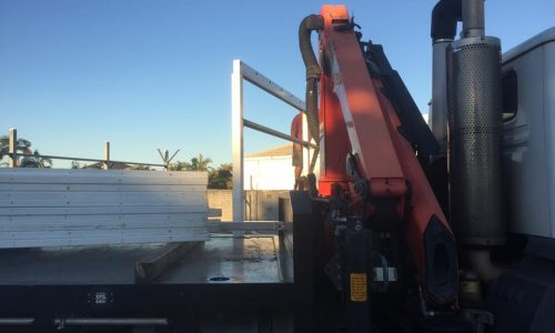 dismantling shed with crane truck on the gold coast2