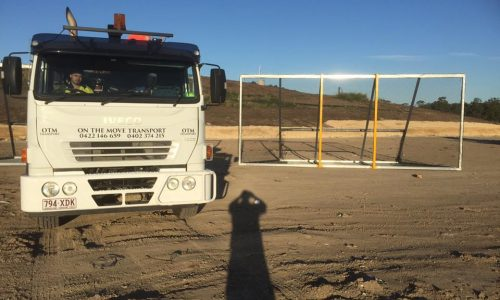 litter fence delivery with 8 tonne crane truck to yatala for the council3