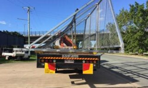 litter fence delivery with 8 tonne crane truck to yatala for the council4