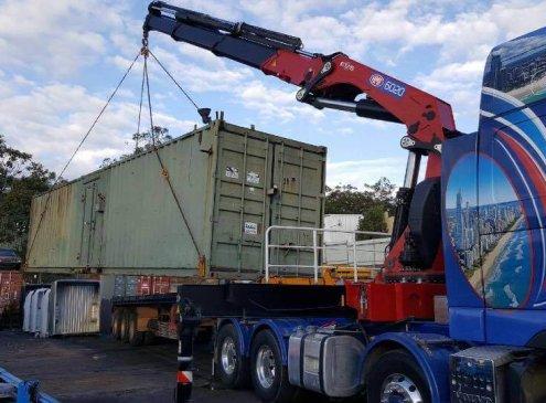 Semi crane truck hire Brisbane - craning 40
