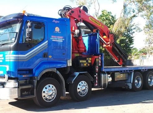 16 tonne crane truck for hire with 27 meter reach crane and 7 meter tray